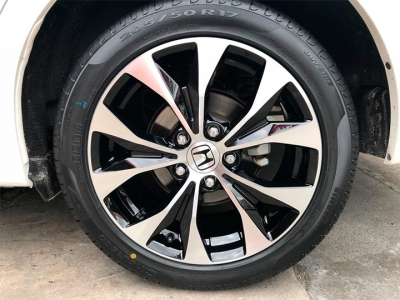 Roda do Honda Civic Preto com diamantização